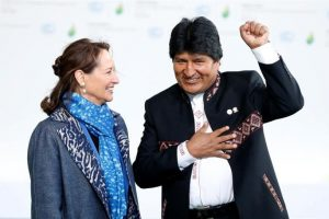 Evo Morales, con la ministra francesa de Ecología Ségolène Royal. Foto:Efe. Imagen Por: