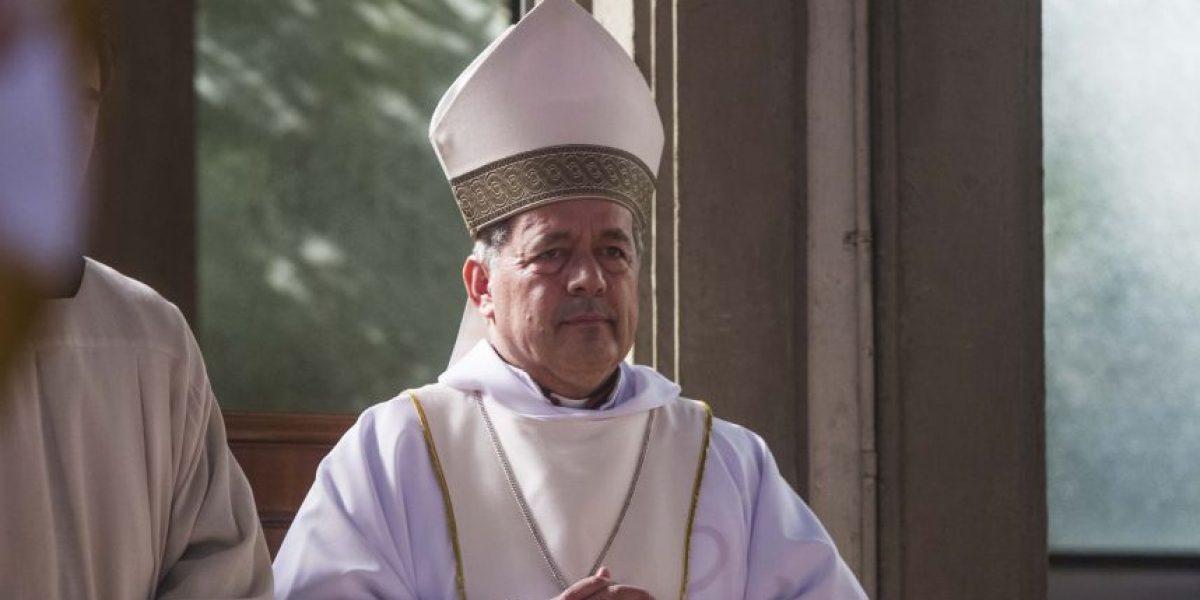 Obispo Barros aseguró que se enteró