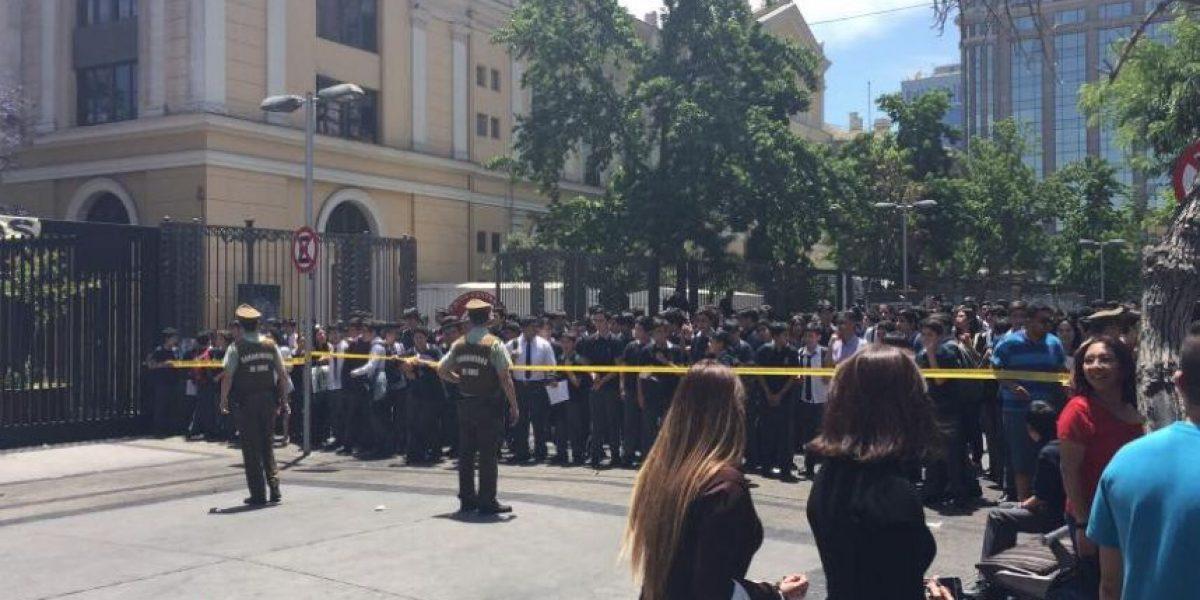 Desalojan por amenaza de bomba al Instituto Nacional