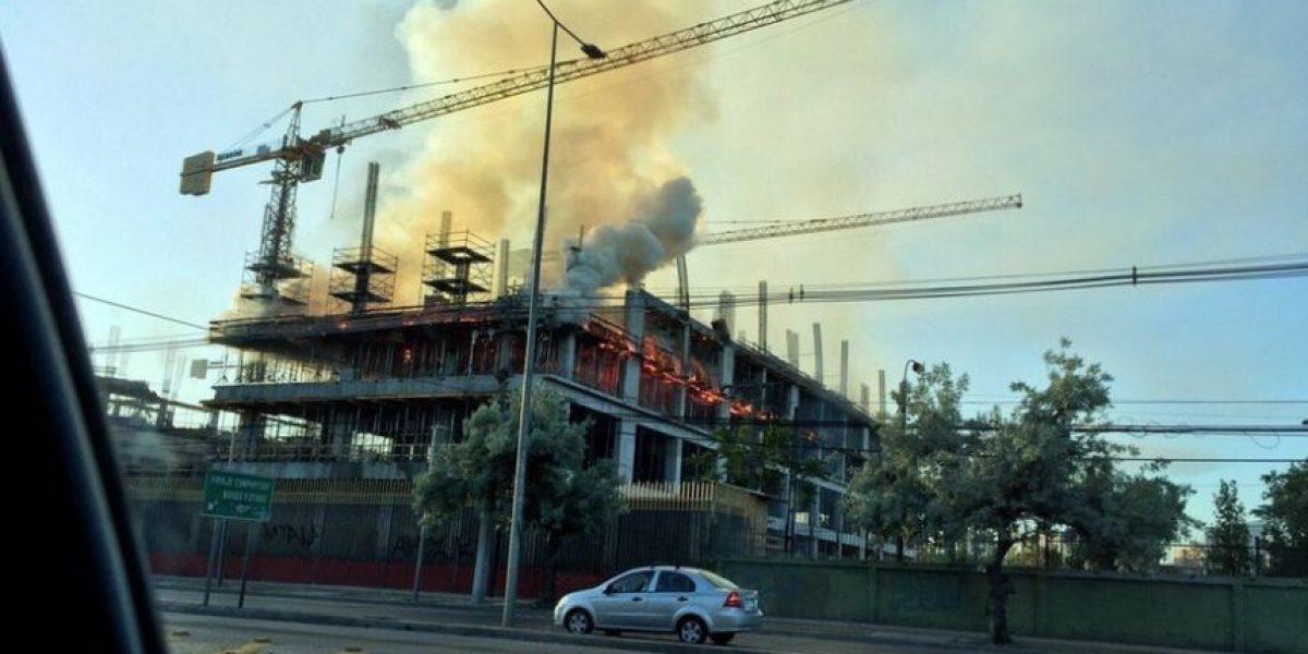 Incendio afectó a clínica en construcción en La Florida