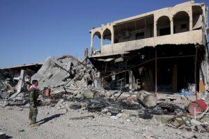 Las calles de Sinjar están vacías, sus casas deshabitadas y muchas de ellas convertidas en escombros. Foto:AP. Imagen Por: