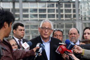 El alcalde de Lo Prado, Gonzalo Navarrete, también apoyó a los menores. Foto:Agencia UNO. Imagen Por: