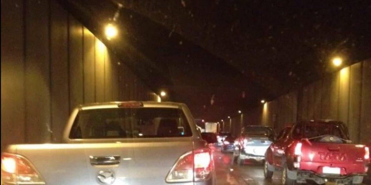 Gran congestión provoca colisión múltiple al interior del túnel Lo Prado