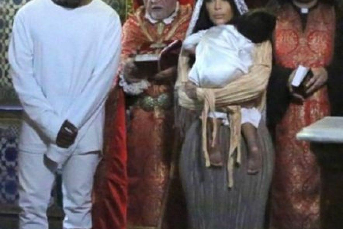 Kim Kardashian confesó que sabía de su embarazo desde su visita a Jerusalén. Foto:vía instagram.com/kimkardashian. Imagen Por: