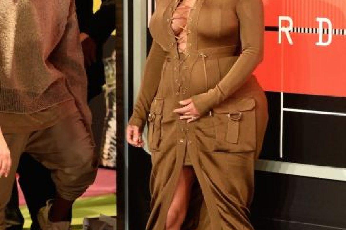 En la alfombra roja de los MTV VMA's 2015 ya lucía algunos kilos de más. Imagen Por:
