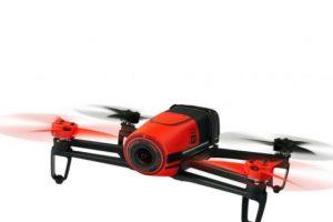 Parrot Bebop es un modelo clásico que imita la forma de un avión de los años 50. Foto:vía webadictos.com. Imagen Por: