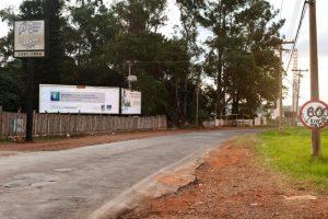 Las vallas se ponen en vías primarias para que todos lo puedan ver. Foto:racismovirtual.com.br/. Imagen Por: