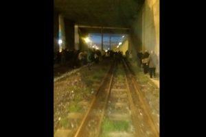 Algunos presentes tuiteaban lo que sucedía en el lugar. Foto:Vía Twitter. Imagen Por: