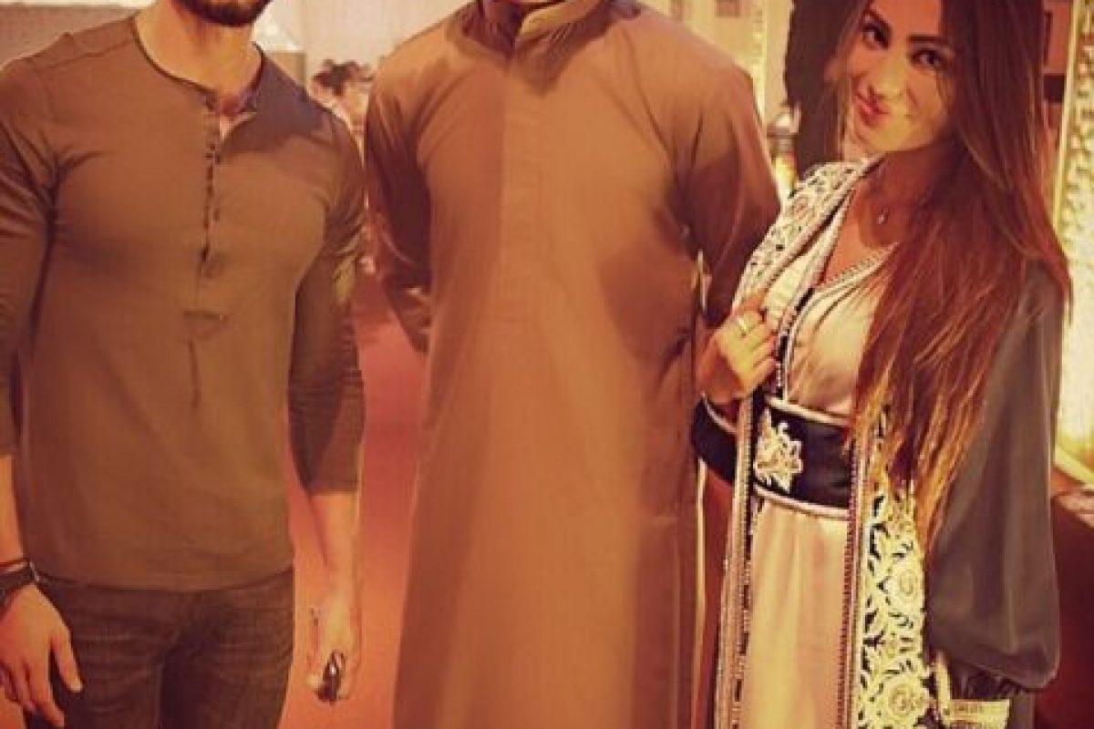 1. Pero ¿qué les parece esta foto con la modelo de Emiratos Árabes, Rafeea Alhajsi? Foto:Vía Instagram/omarborkan. Imagen Por: