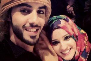 7. En esta ocasión mostró una selfie que se tomó con una fan, de la cual mencionó que tenía hermosa sonrisa. Foto:Vía Instagram/omarborkan. Imagen Por: