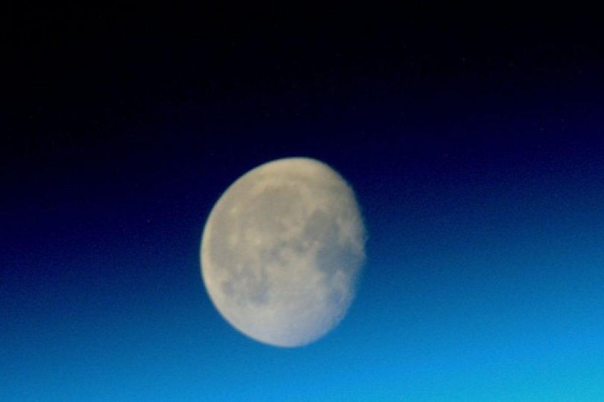 La luna Foto:Vía instagram.com/stationcdrkelly. Imagen Por:
