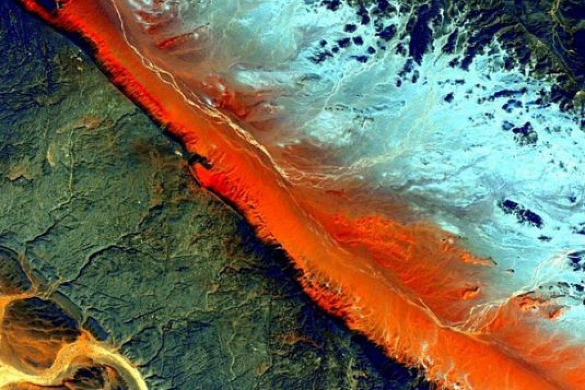 Desierto del Sahara Foto:Vía instagram.com/stationcdrkelly. Imagen Por: