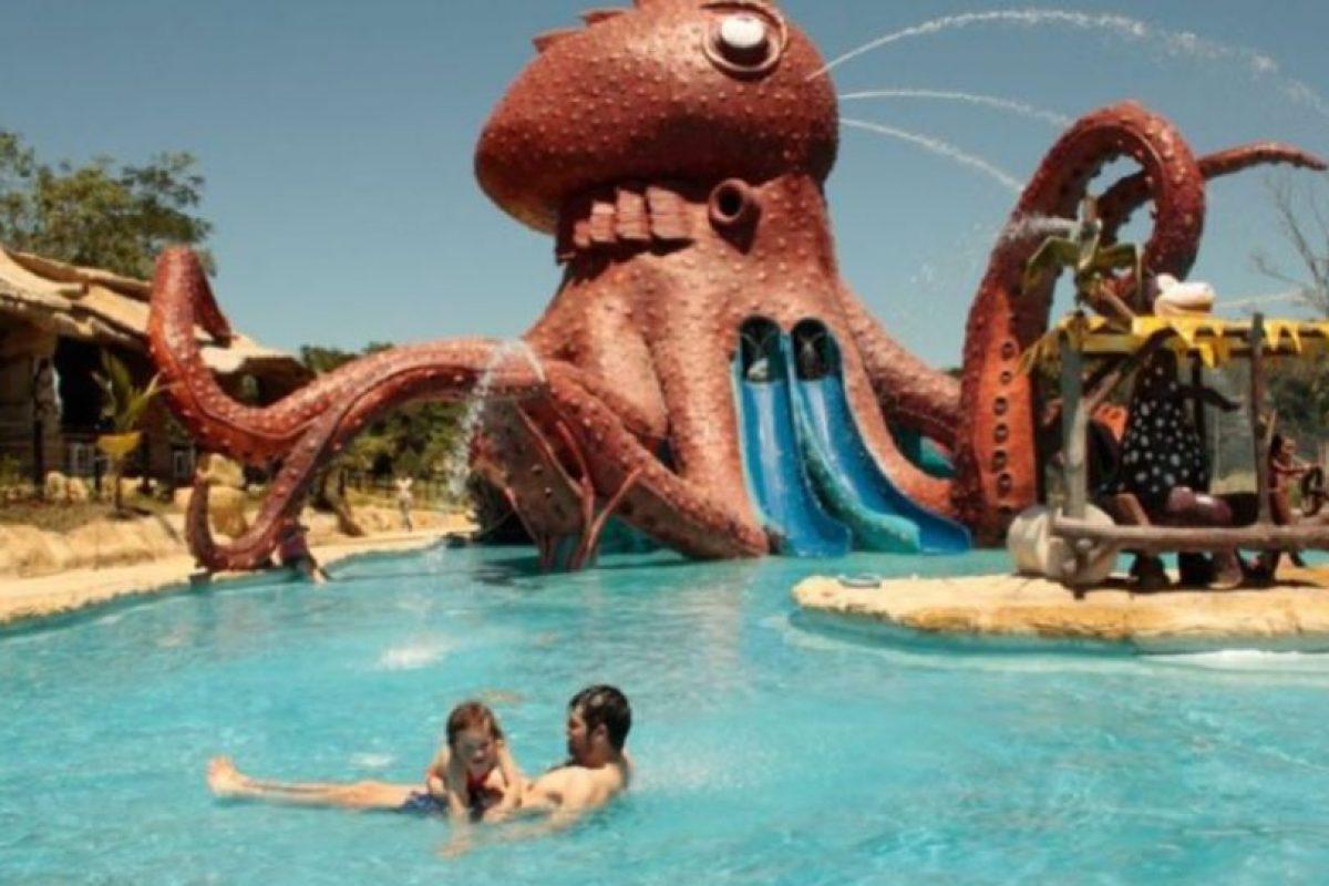 La exhacienda fue convertida en un parque de diversiones. Foto:Vía haciendanapoles.com. Imagen Por: