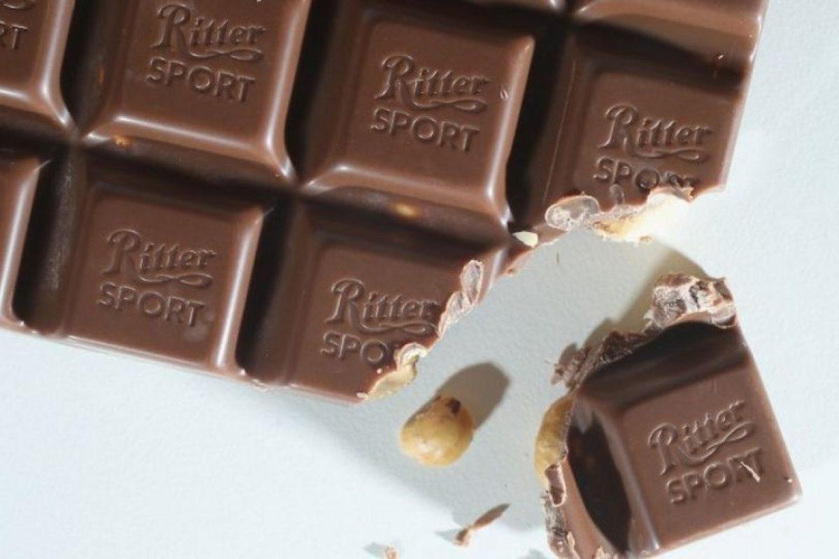 De acuerdo con un estudio publicado en la revista The Journal of Sexual Medicine, las mujeres que comen al menos un poco de chocolate negro al día experimentan mayor deseo sexual y tienen relaciones sexuales más placenteras. Foto:Getty Images. Imagen Por: