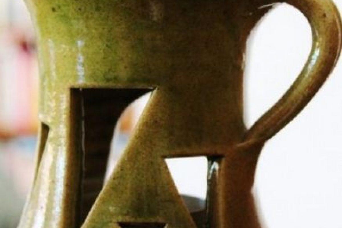 Oler aceites relajantes como la manzanilla, palo de rosa, sándalo o salvia puede aquietar la mente, y si usted está buscando la estimulación romántica, naranja, limón, jengibre, o ylang ylang puede hacer maravillas. Foto:Tumblr. Imagen Por: