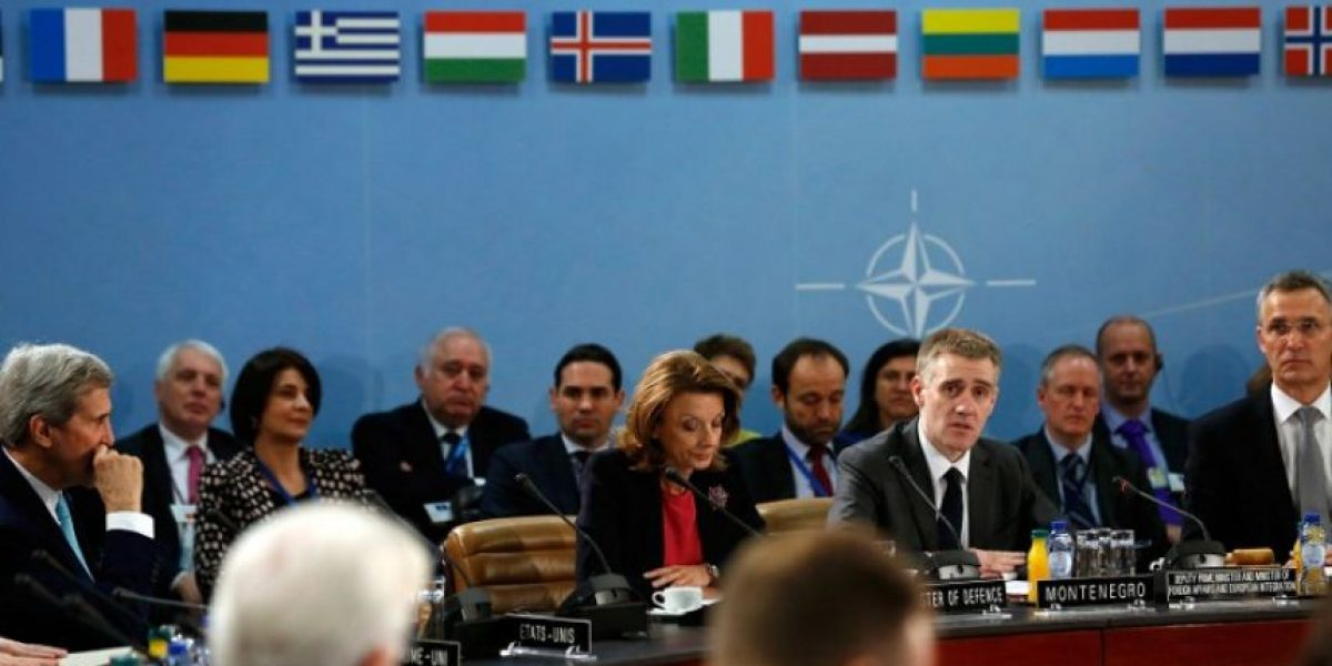 La Otan invita a Montenegro a unirse a la Alianza a pesar de las advertencias de Moscú