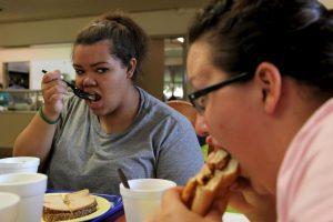 1. Cardiomegalia (crecimiento del corazón). Esta enfermedad se produce debido a que el corazón necesita crecer para poder mantener a una persona con obesidad. Foto:Getty Images. Imagen Por: