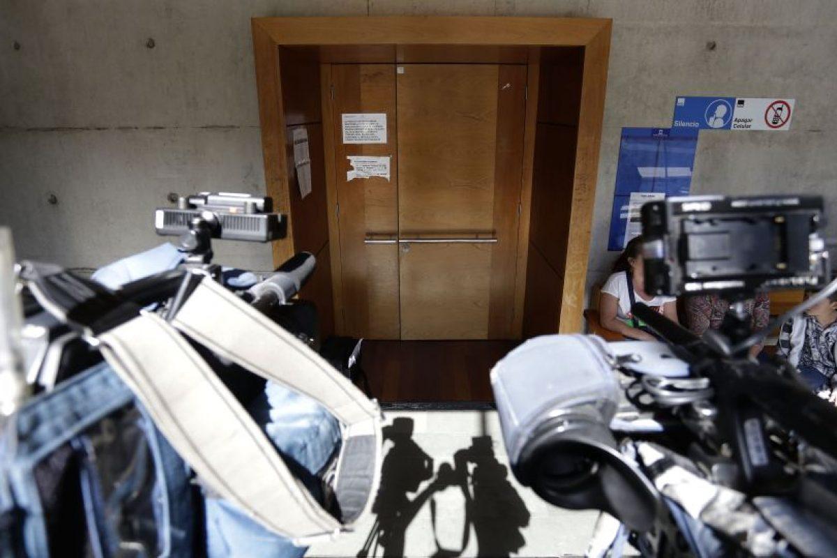 La prensa esperando la formalización. Foto:Agencia Uno. Imagen Por: