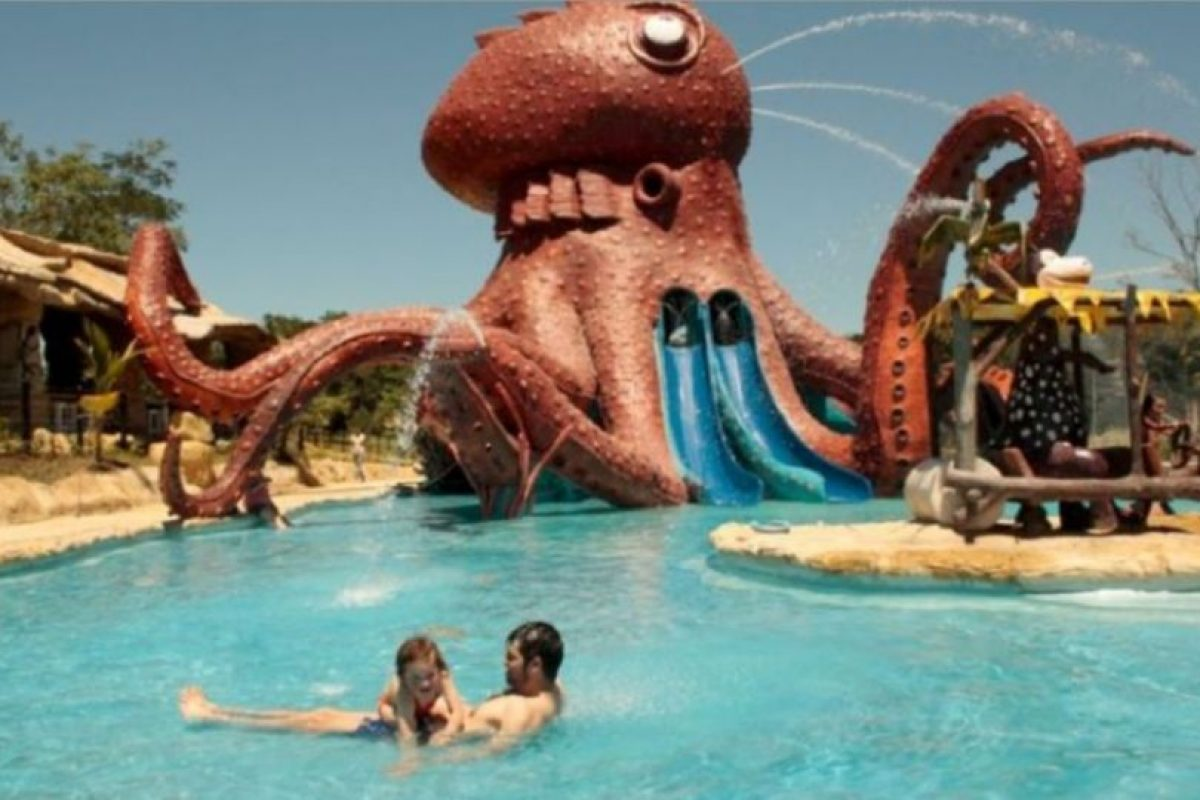 La exhacienda fue convertida en un parque de diversiones. Foto:haciendanapoles.com. Imagen Por: