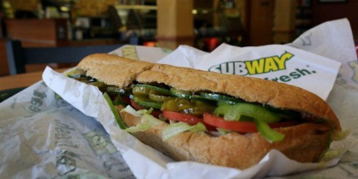 Conocido restaurante de sándwiches celebra apertura de local N° 50 con llamativa promo