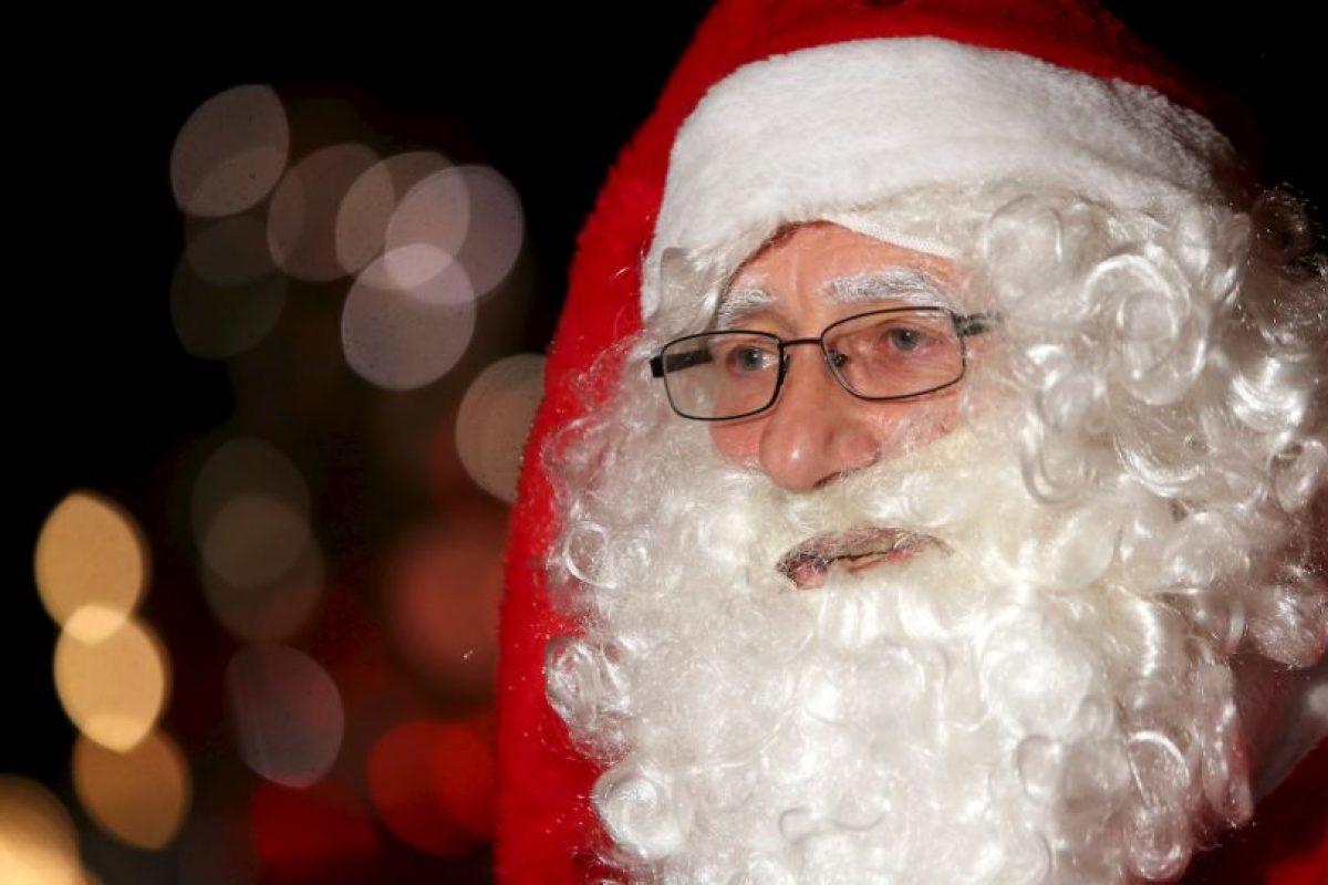El disfraz de Santa le sirvió un hombre para lograr robar un helicóptero. Foto:Getty Images. Imagen Por: