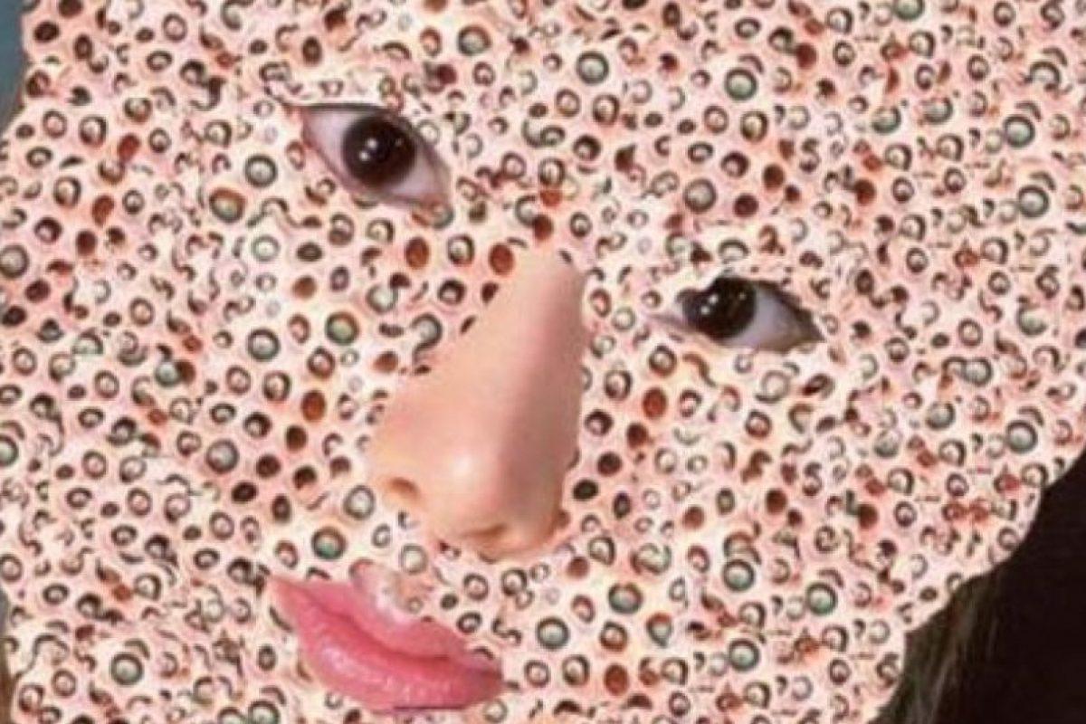 Дырки и лица телок фото