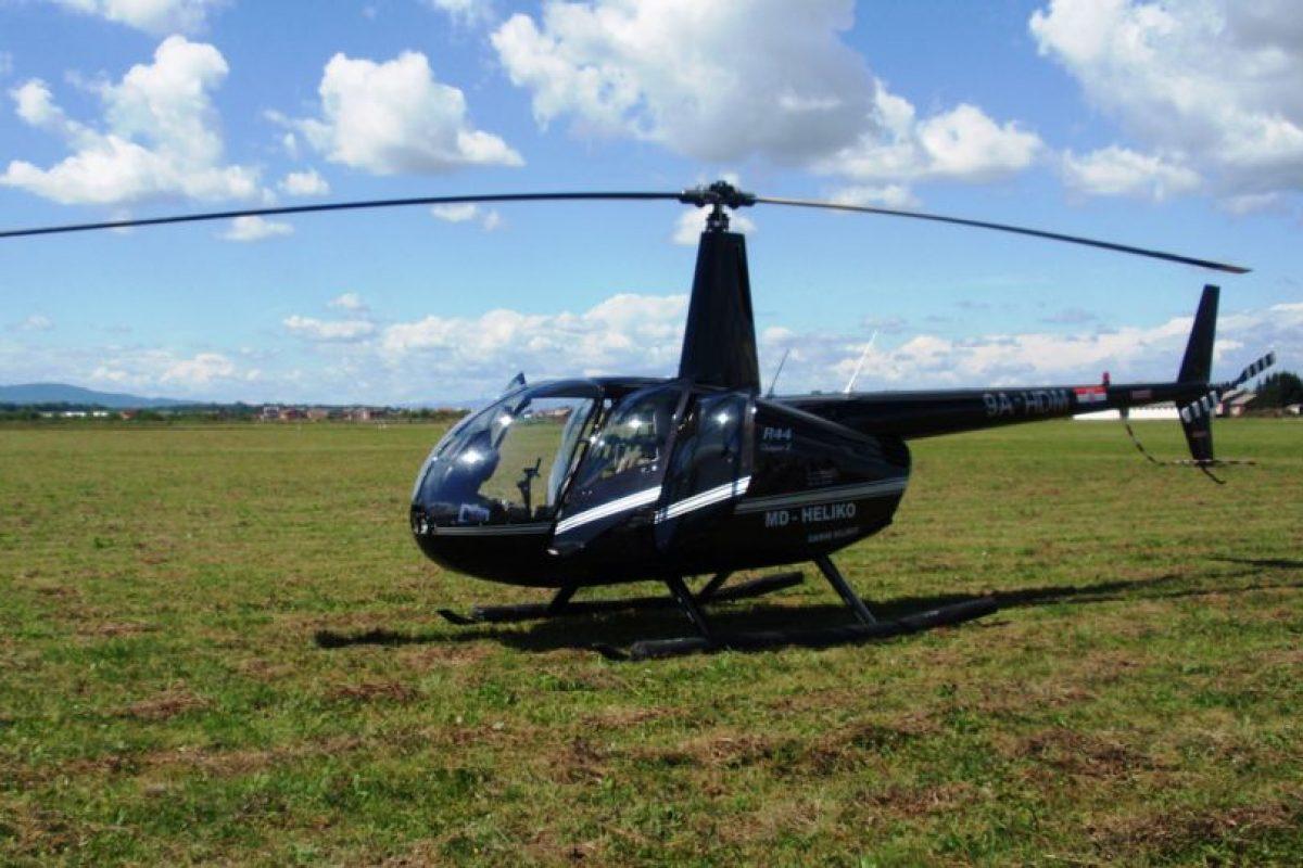 El helicoptero es un Robinson 44. Foto:Wikipedia Commons. Imagen Por:
