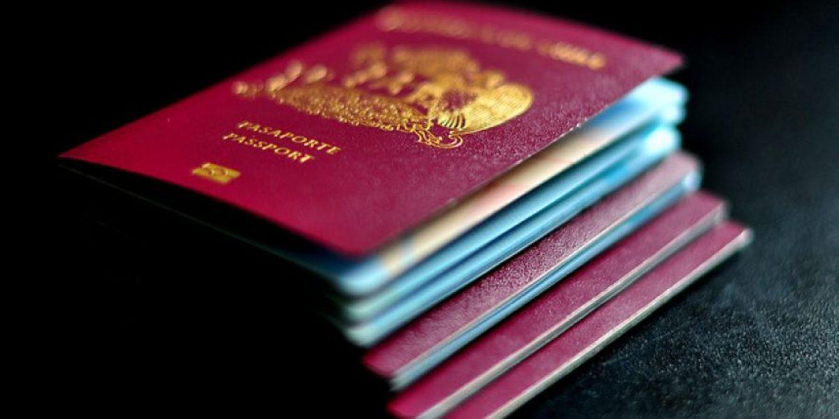 Rápida reacción tras polémica: subirán valor de pasaportes a autoridades