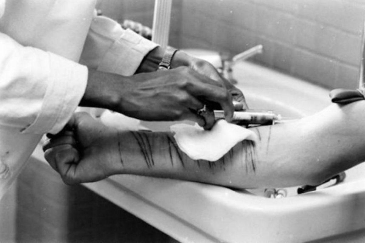 Retrato de una autoflagelación en un asilo en 1964 Foto:Reproducción. Imagen Por: