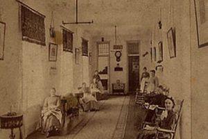 Un asilo de Michigan en la década de 1870 Foto:Reproducción. Imagen Por: