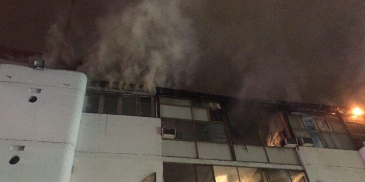 Incendio afectó centro comercial de la comuna de Providencia