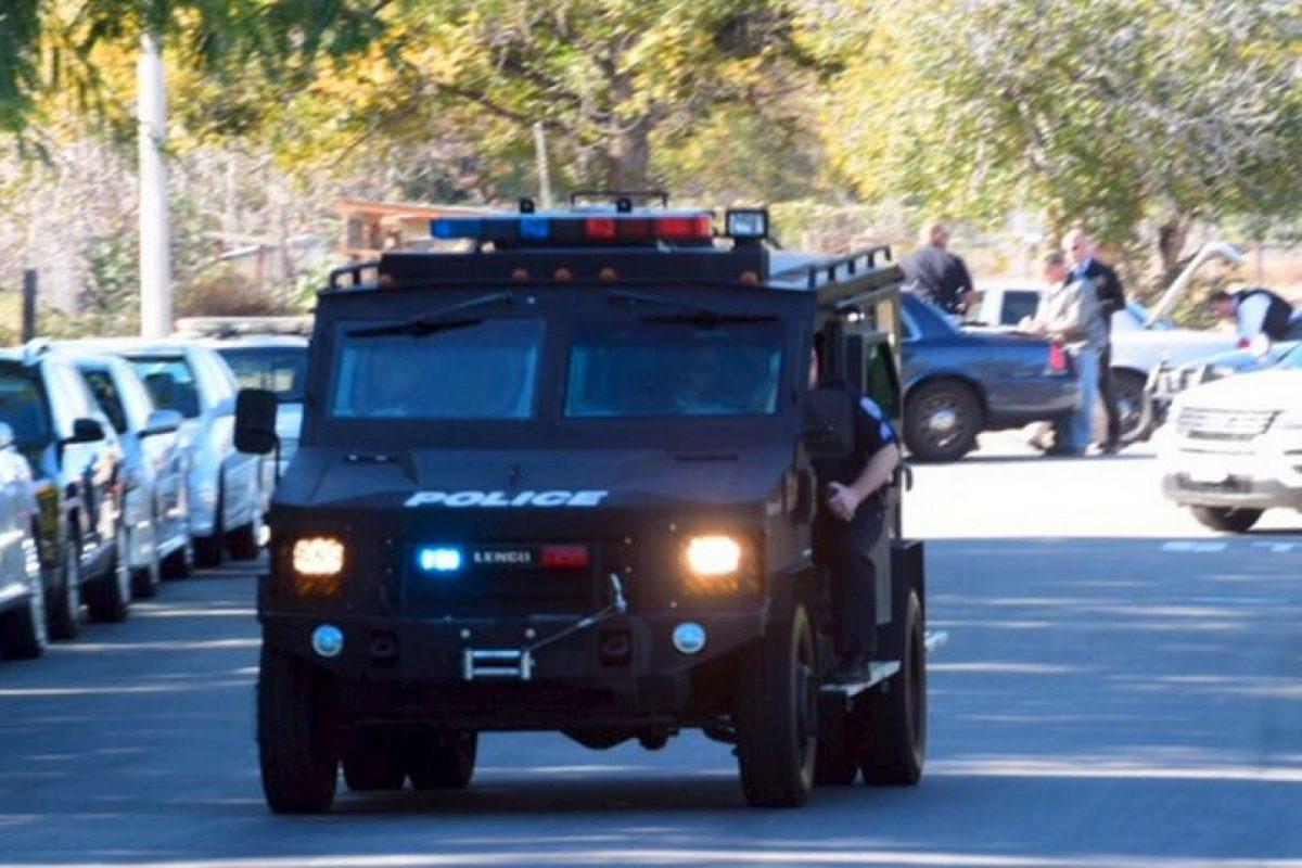 Agentes especiales se presentaron en el lugar. Foto:AP. Imagen Por: