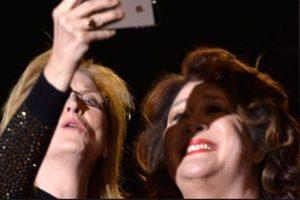Meryl Streep y Margo Martindale durante un festival de cine. Foto:Getty Images. Imagen Por: