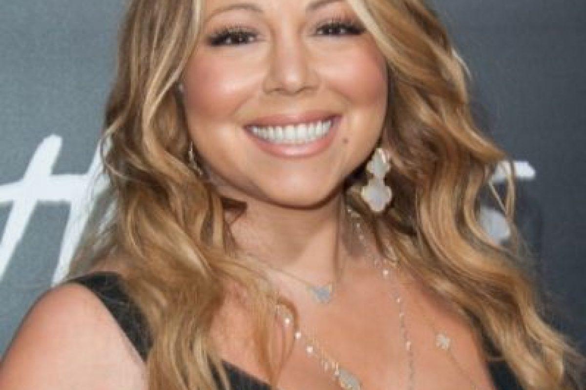 Siempre ha poseído un cuerpo curvilíneo, sin embargo, luego del rompimiento con el cantante mexicano, Luis Miguel, Mariah confesó haber pasado por un momento muy difícil, subió de peso e incluso intentó suicidarse. Foto:Getty Images. Imagen Por: