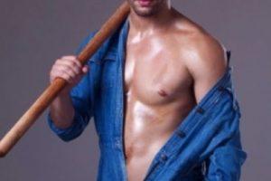 Es un sensual sepultero que trabaja arduamente todo el día y mientras lo hace deleita la vista a cada chica que pasa en Sao Paulo, Brasil. Foto:Vía Instagram/Isaac Deyson. Imagen Por: