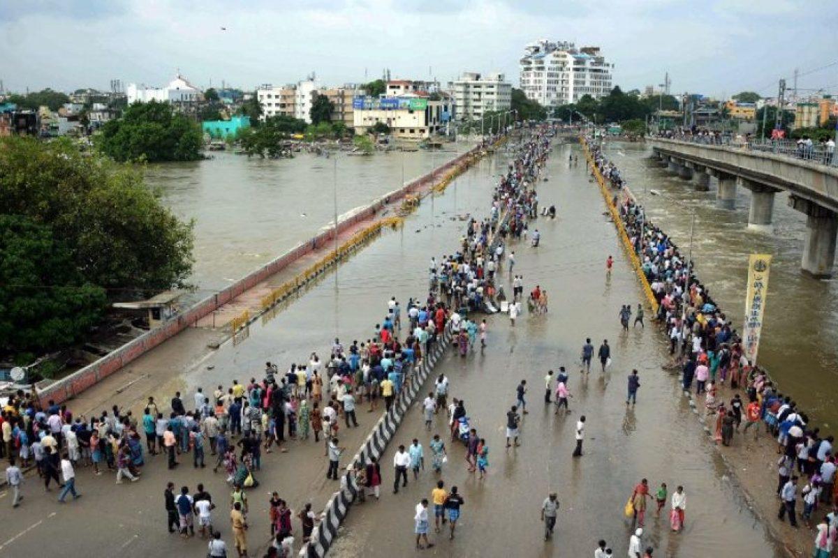 Chennai recibió el miércoles más del doble de la cantidad de lluvia que normalmente se precipita en diciembre. Foto:AFP. Imagen Por: