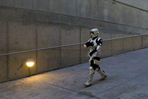 Fanático de Star Wars en la Feria Internacional del Libro de Guadalajara, México. Foto:AFP. Imagen Por: