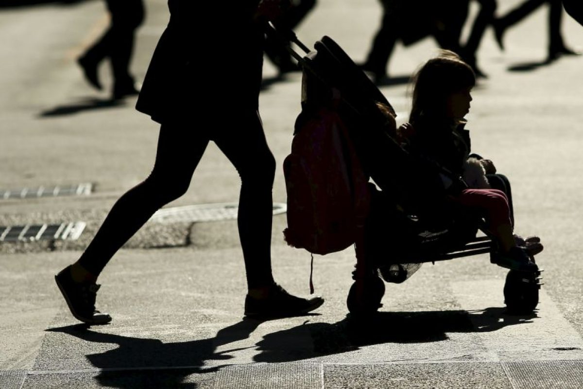 La demencia tiene un impacto físico, psicológico, social y económico en los cuidadores, las familias y la sociedad. Foto:Getty Images. Imagen Por: