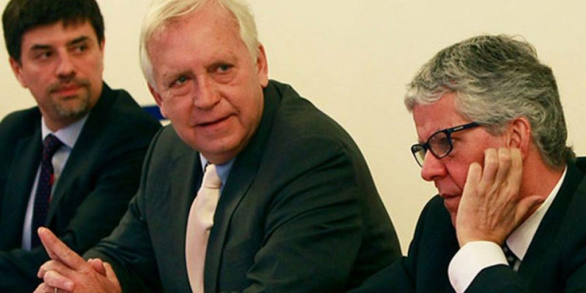 Ministros salen a terreno para defender plan antidelincuencia