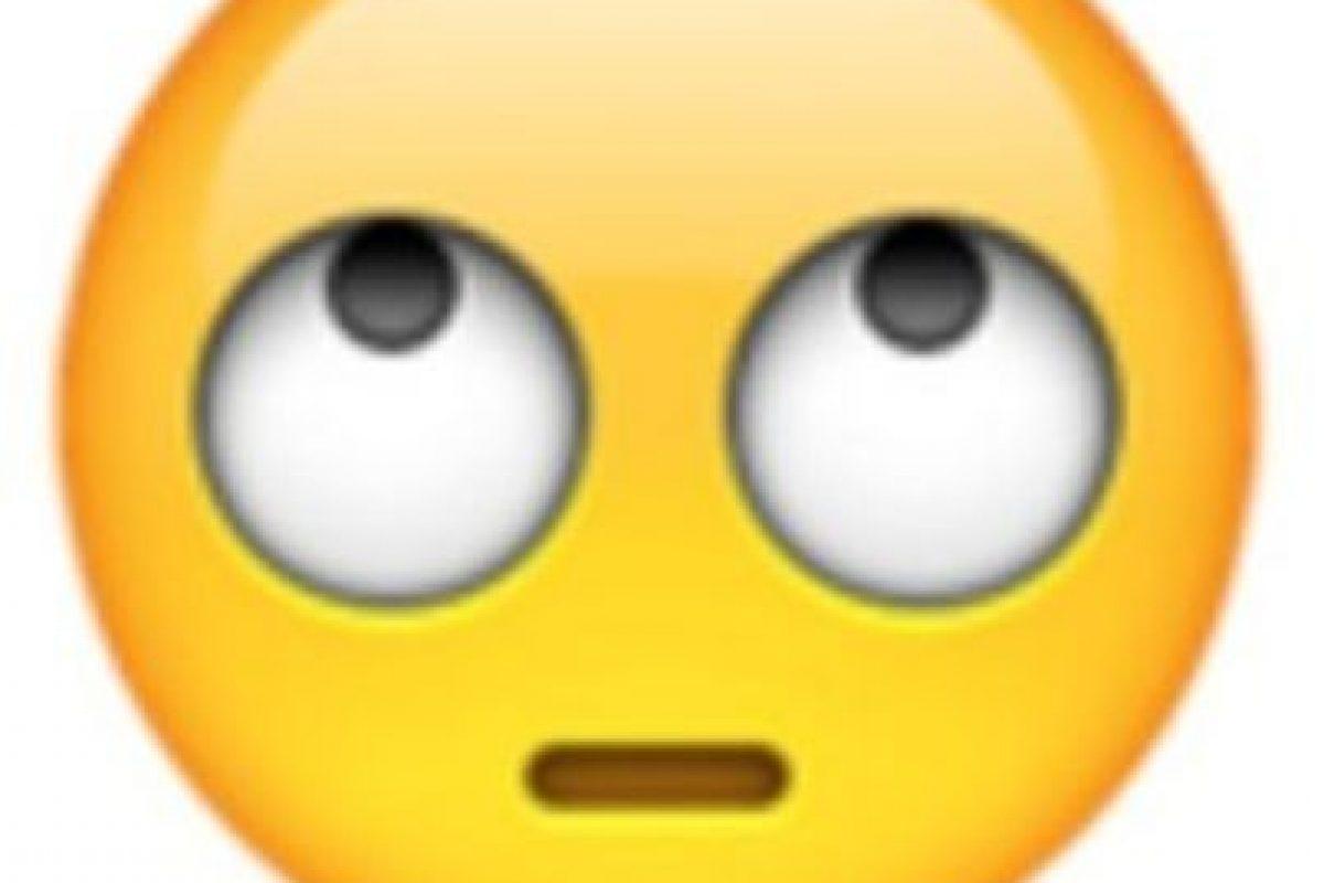 Ojos perdidos. Foto:vía emojipedia.org. Imagen Por: