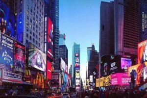 Times Square en Nueva York, Estados Unidos. Foto:vía instagram.comalyssamax07. Imagen Por: