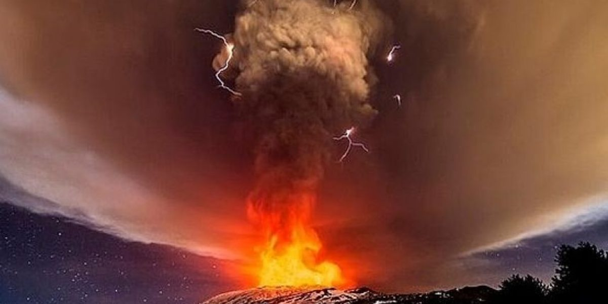 ¡Wow! La espectacular erupción del volcán Etna en Sicilia