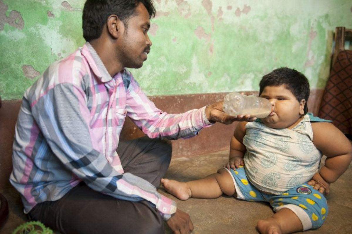 Shabnam y Mohammad no han podido saber qué causa que su hija coma tanto.. Imagen Por: