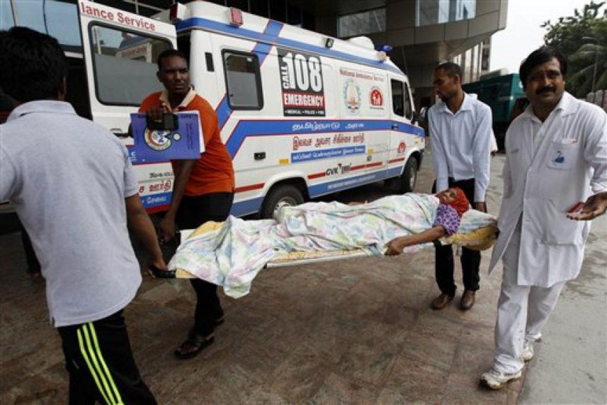 Hospitales también fueron inundados. Foto:AP. Imagen Por: