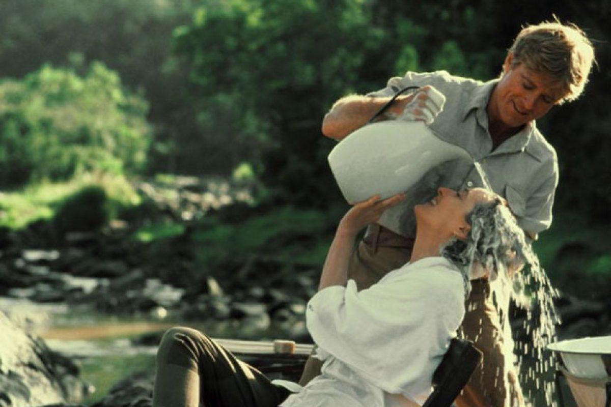 """""""Africa mía"""" es una cinta estadounidense de 1985 que obtuvo siete Premios Óscar, incluyendo el de mejor película, mejor dirección y mejor guión adaptado. Foto:Universal Pictures. Imagen Por:"""