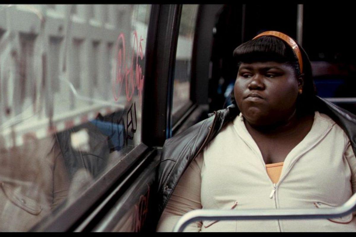 """""""Precious"""" es una adaptación de Push, primera novela de Ramona Lofton que cuenta la historia de Claireece """"Precious"""" Jones, una adolescente obesa y analfabeta, víctima de diversos abusos. Recibió 2 premios Óscar en 2009 como mejor actriz de reparto y mejor guión adaptado. Foto:Harpo Productions. Imagen Por:"""