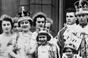 La joya fue colocada en la corona de la Reina Isabel madre. Foto:Vía royal.gov.uk. Imagen Por: