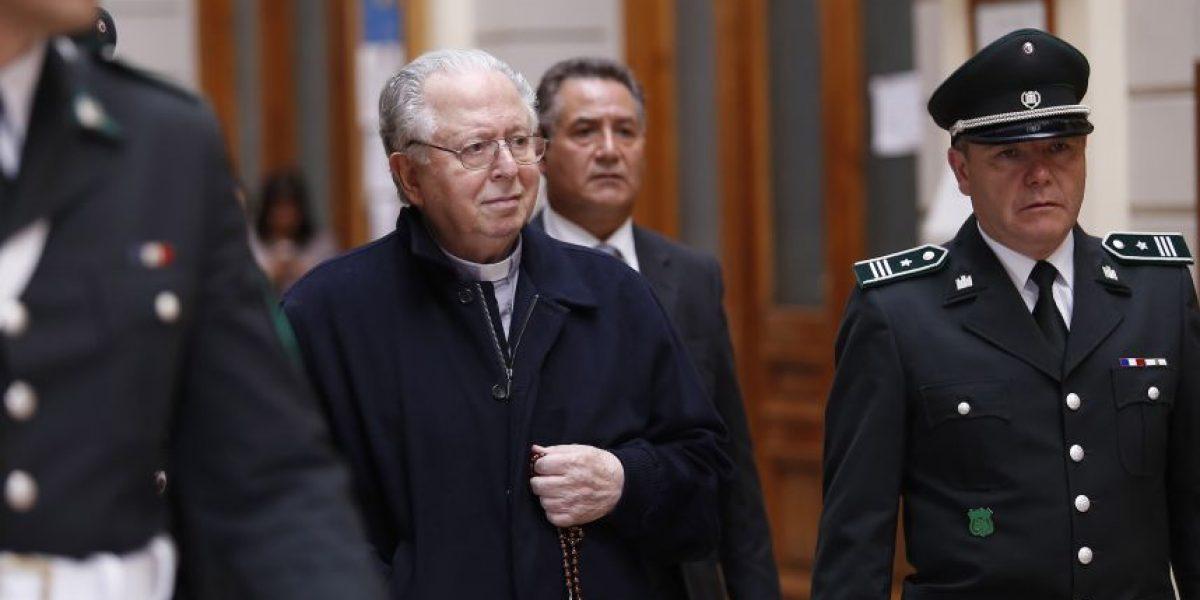 Niegan acceso a documentos de iglesia de Santiago a víctimas de Karadima