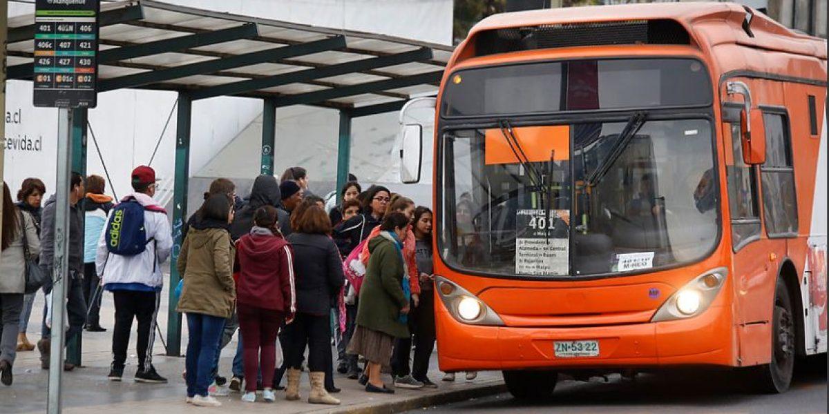 Ministerio de Transportes busca en Europa soluciones para Transantiago