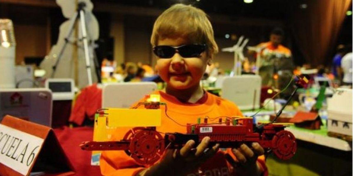 ¡Seco!Un niño ciego uruguayo de 10 años aprende a construir robots en nueve meses